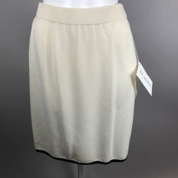 St. John Dresses & Skirts - St. John Collection Pencil Straight Skirt Santana